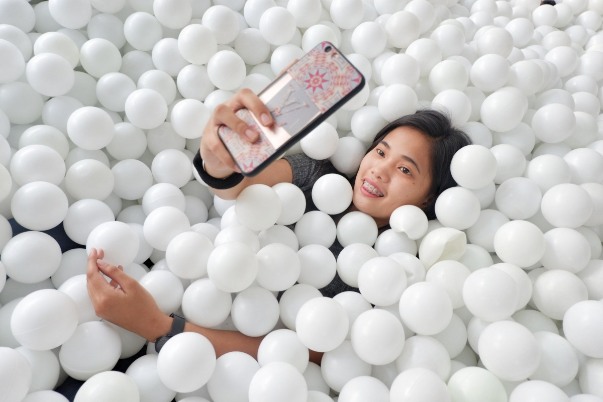 HAPPINESS IN A PIT | BALL PIT MANILA